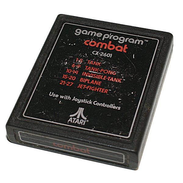 """Atari 2600 Jr. """"Rainbow"""" - paketti"""